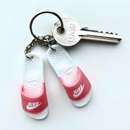 Nike atslēgu piekariņš